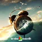 orologio della vita sveglia in mezzo al mare