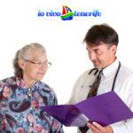 pensionati anziana dal medico